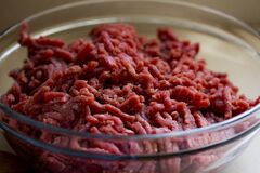Ground beef in bowl