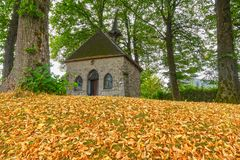 Chapel, early fall of leaves Royalty Free Stock Photos
