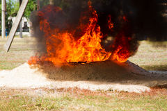 Ground to extinguish flames Royalty Free Stock Photo