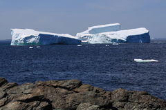 Grounded Icebergs near Shore Royalty Free Stock Photography