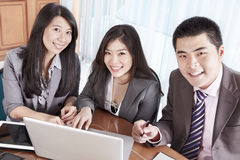 Group of business people smiling Royalty Free Stock Photography