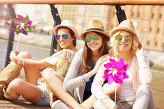 Group of friends hanging out in the city Royalty Free Stock Photography