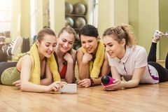 Group of girls in fitness class at the break Royalty Free Stock Photography