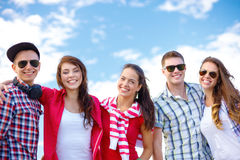 Group of smiling teenagers hanging out Stock Photography