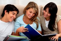 Group of students smiling Royalty Free Stock Image
