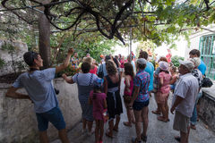 Group of tourists in the ruins of the fortress of Alanya Royalty Free Stock Photos