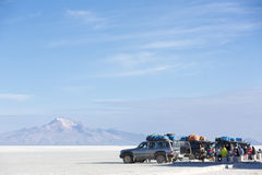 Group of tourists and 4x4 cars at the Isla Incahuasi in the Sala Stock Photo