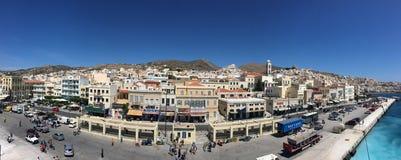 Groupe architectural de la construction néoclassique sur l'île de Syros, Grèce photographie stock