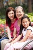 Groupe chinois multi féminin de famille de Genenration Image libre de droits