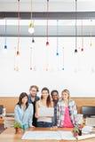 Groupe créatif d'affaires avec l'ordinateur portable Photos stock