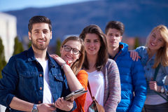 Groupe d'étudiants heureux Photo stock