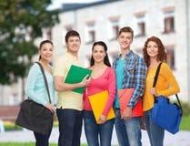 Groupe d'adolescents de sourire Photos libres de droits