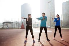 Groupe d'ajustement vivant d'amis en bonne santé et de modes de vie actifs Photographie stock