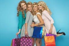 Groupe d'amies gaies blondes Image libre de droits