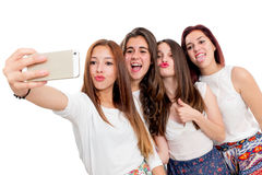 Groupe d'amies prenant le selfie Photos stock