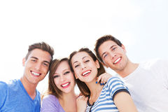 Groupe d'amis photos libres de droits