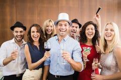 Groupe d'amis ayant l'amusement Photo libre de droits