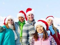 Groupe d'amis dans la neige Photo libre de droits