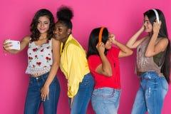 Groupe d'amis de l'adolescence Image libre de droits