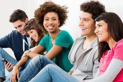 Groupe d'amis de sourire heureux Image libre de droits