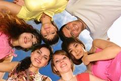 Groupe d'amis heureux Photo stock