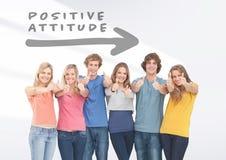 Groupe d'amis se tenant devant la flèche d'attitude positive Photo stock