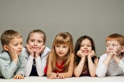 Groupe d'enfants Photo stock