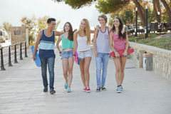Groupe d'enfants heureux des vacances Photo libre de droits