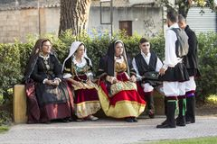 Groupe dans le costume sarde traditionnel Photographie stock