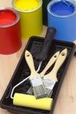 Groupe de boîtes de peinture en métal Photographie stock libre de droits