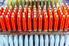 Groupe de bobines en soie avec le fil en soie rouge de fil pour tisser Machi Image libre de droits