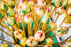 Groupe de bourgeons colorés artificiels de lotus Image libre de droits