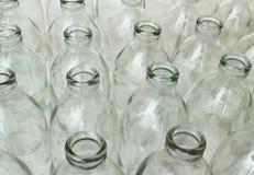 Groupe de bouteilles en verre vides Image stock