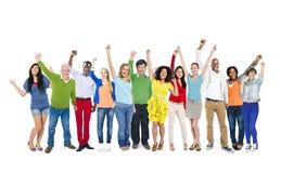 Groupe de célébration multi-ethnique diverse de personnes Photos stock