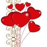Groupe de coeurs rouges de ballon sur des ficelles avec des décorums d'ornement d'or Images libres de droits