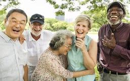 Groupe de concept supérieur de bonheur d'amis de retraite Photos stock