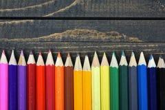 Groupe de crayon sur la table Images stock