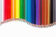 Groupe de crayons colorés sur le blanc Image libre de droits