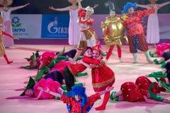 Groupe de danse de représentation Photo stock