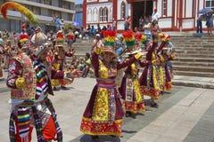 Groupe de danse de Tinkus au carnaval dans Arica, Chili Image libre de droits