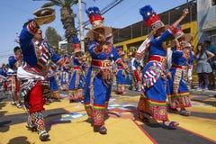 Groupe de danse de Tinkus dans Arica, Chili photo libre de droits