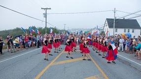 Groupe de danseurs féminins d'héritage au festival d'Acadien Image libre de droits