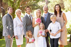 Groupe de famille au mariage Photos libres de droits
