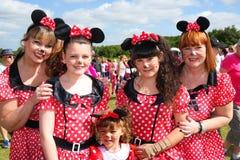 Groupe de femelles à la course pour l'événement de vie Photos stock