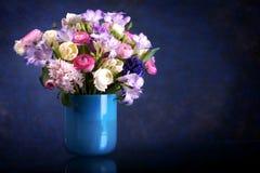 Groupe de fleurs de source Image libre de droits
