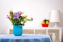 Groupe de fleurs de source Photos stock