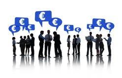 Groupe de gens d'affaires avec l'euro signe Image libre de droits