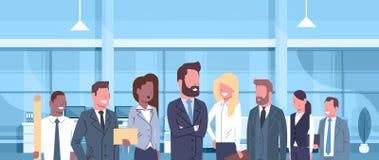 Groupe de gens d'affaires dans les professionnelles modernes de femmes d'affaires de Team Of Successful Businessmen And de concep illustration libre de droits