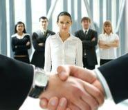 Groupe de gens d'affaires et d'une prise de contact image libre de droits