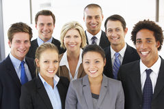 Groupe de gens d'affaires heureux et positifs Photographie stock libre de droits